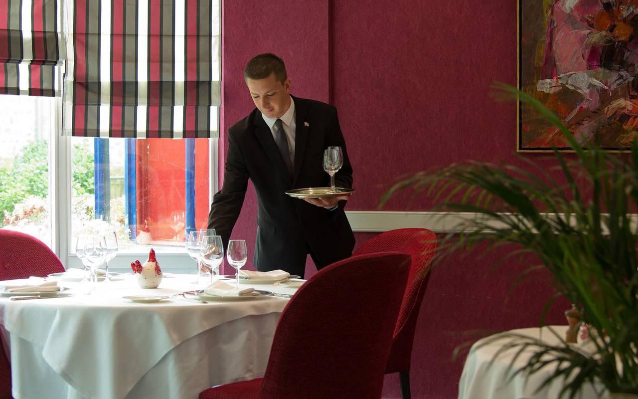 Serveur du restaurant loire