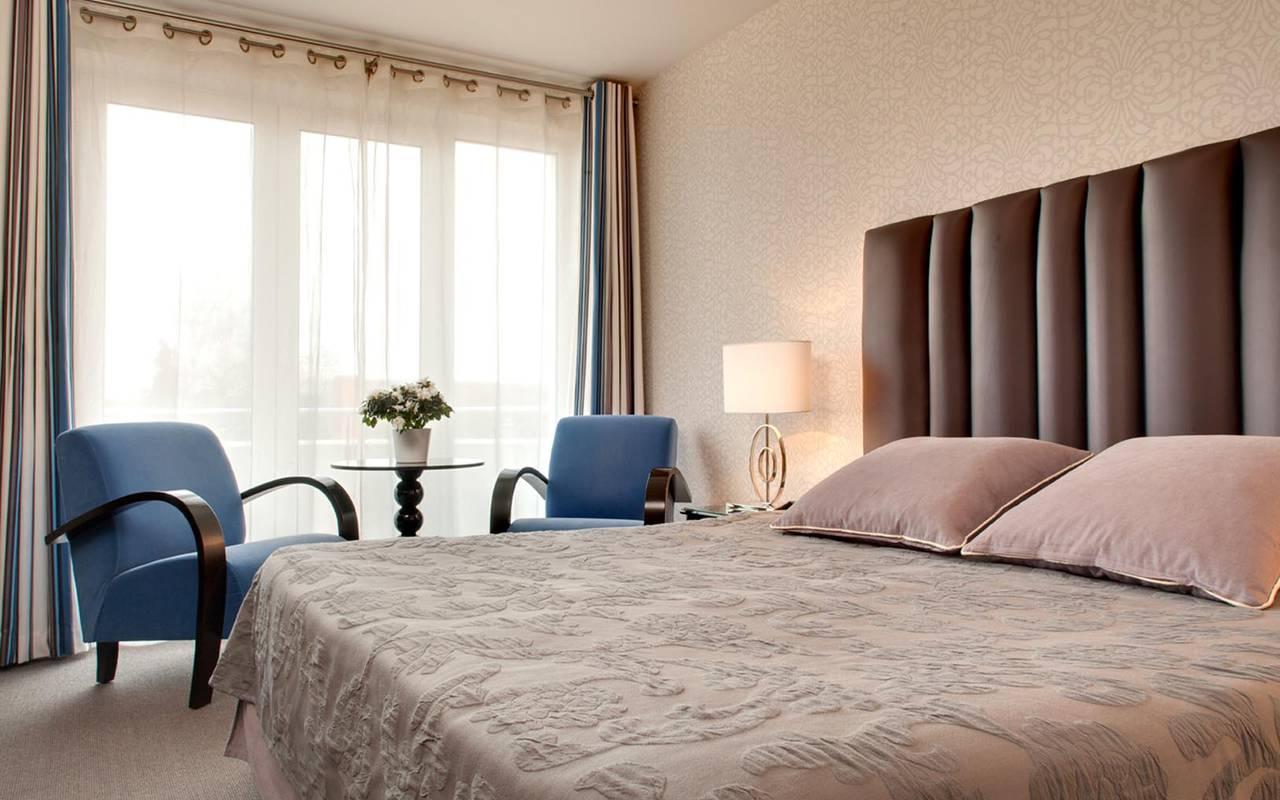 Chambre supérieur hôtel Solesmes 3 étoiles